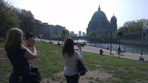 Als echte toeristen... we zijn er!